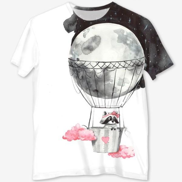 Футболка с полной запечаткой «Енот-девочка на воздушном шаре-луне»