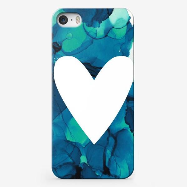 Чехол iPhone «Белое сердце на фоне голубых разводов»