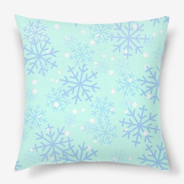 Подушка «Снежинки паттерн»