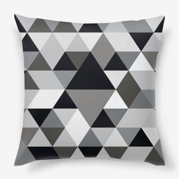 Подушка «Монохромный паттерн из треугольников и ромбов»