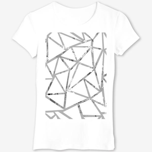 Футболка «Треугольная структура с шрифтовым коллажем»