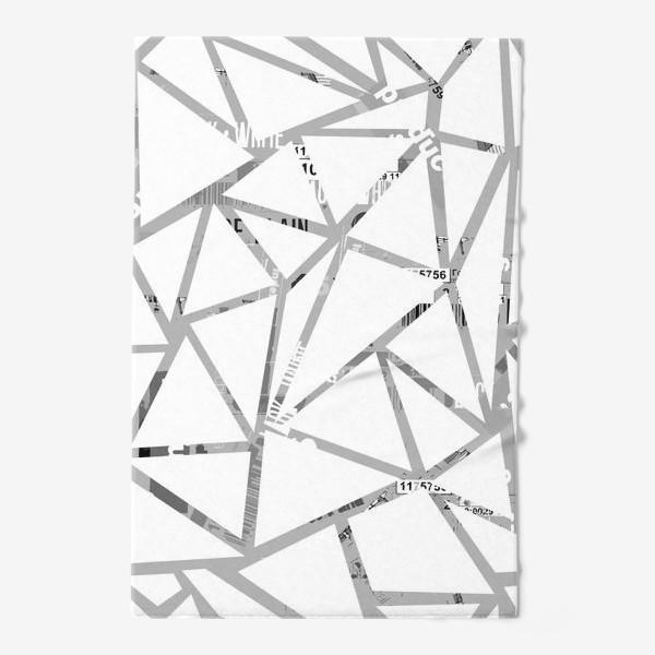 Полотенце «Треугольная структура с шрифтовым коллажем»