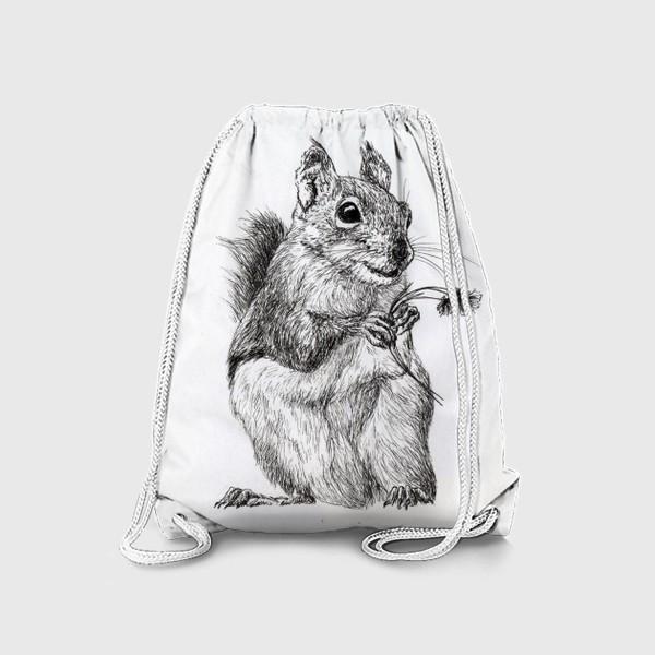 Рюкзак «Белка мальчик с букетом цветов »