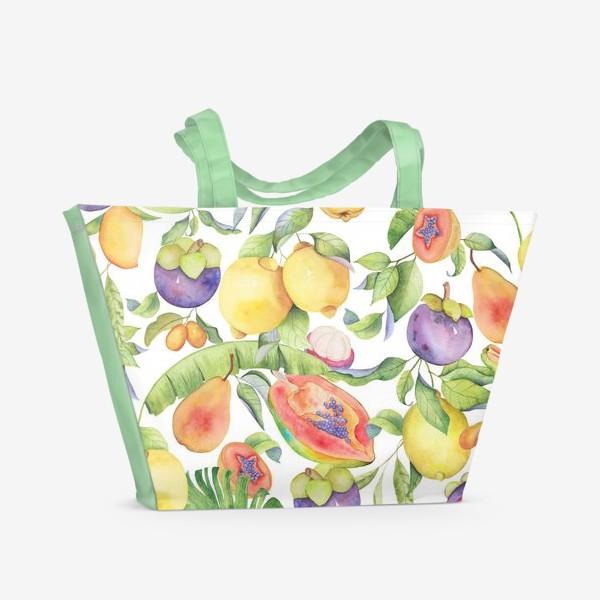 Пляжная сумка «Сочные тропические фрукты на белом: папайа, мангостин и цитрусы»