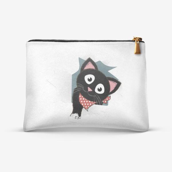 Косметичка «Мультяшный черный котенок выглядывает из разорванной бумаги»