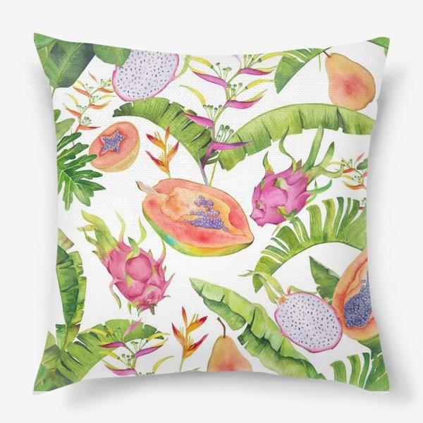 Подушка «Сочные тропические фрукты и цветы на белом: геликонии, драгонфрут и папайа»