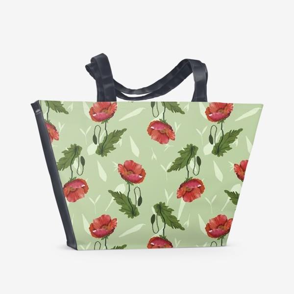 Пляжная сумка «Красные маки на светло-зеленом травяном фоне.»