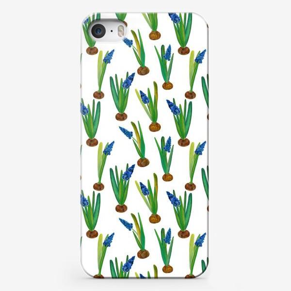 Чехол iPhone «Паттерн весенние мускари с луковичками»