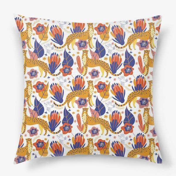 Подушка «Гепарды среди тропических растений»