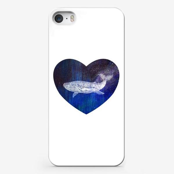 Чехол iPhone «Кит в сердце»