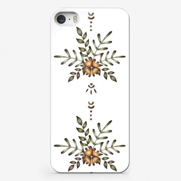 Чехол iPhone «Паттерн с цветочной композицией и этническими элементами»
