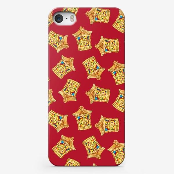 Чехол iPhone «Домики фонарики текстура красный фон»