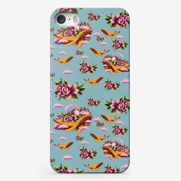 Чехол iPhone «Кит в цветах»