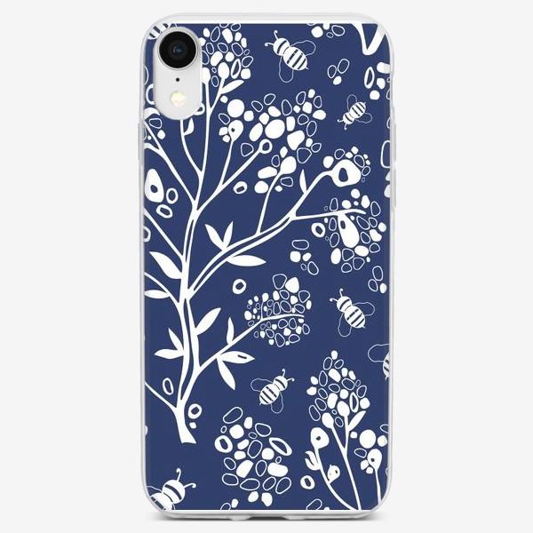 Чехол iPhone «Дерево и пчелы на синем фоне, узор. »