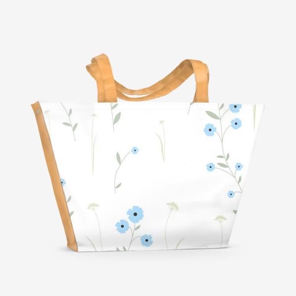 Пляжная сумка «Нежный цветочный патерн. Голубой лен и травы.»