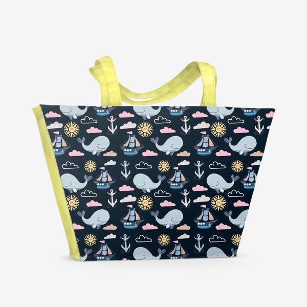 Пляжная сумка «Киты и море на темном фоне»