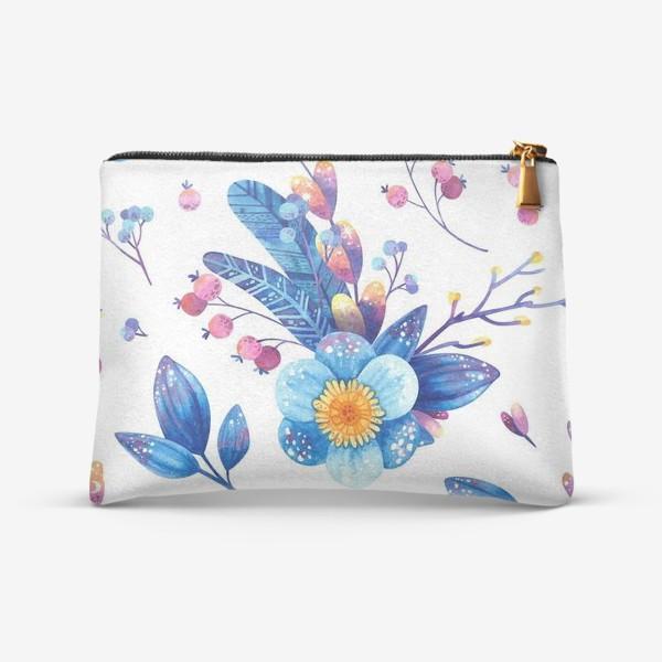 Косметичка «Синие цветы и розовые ягоды на белом фоне. Акварельный паттерн»