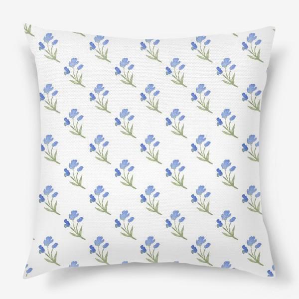Подушка «Орнамент из голубых цветов»