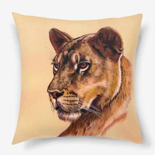 Подушка «Львица »