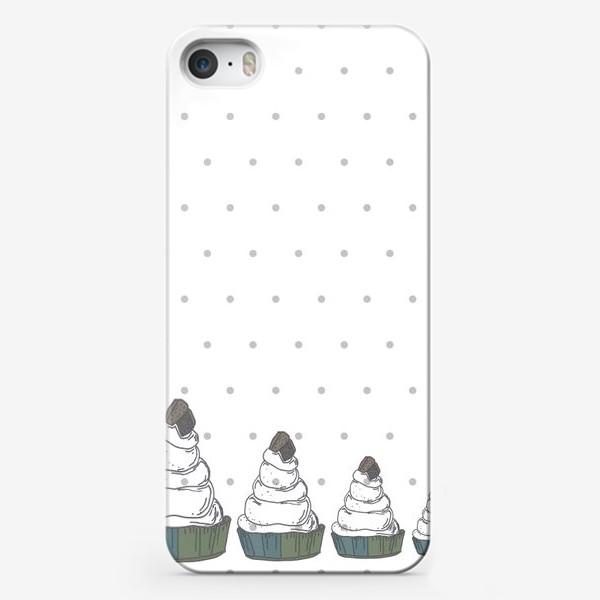 Чехол iPhone «Кексы в ряд в горох стоят»