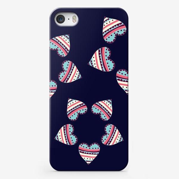 Чехол iPhone «Цветы из сердец»