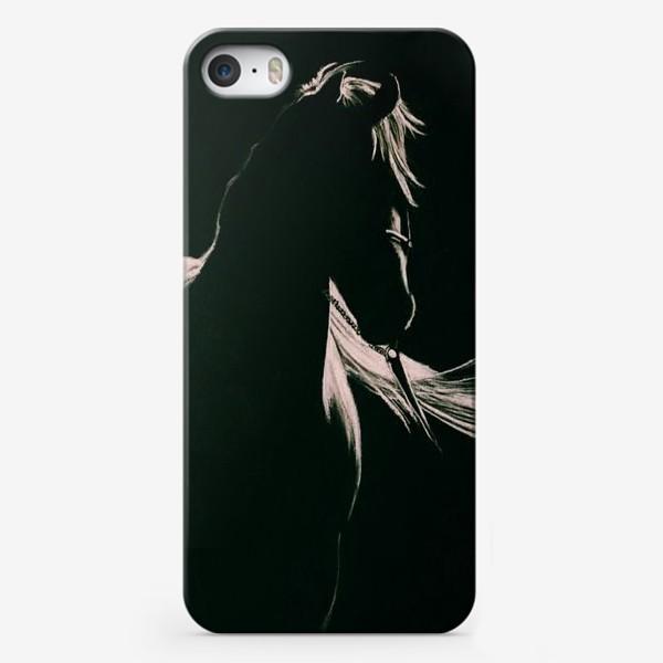 Чехол iPhone «Чёрный конь»