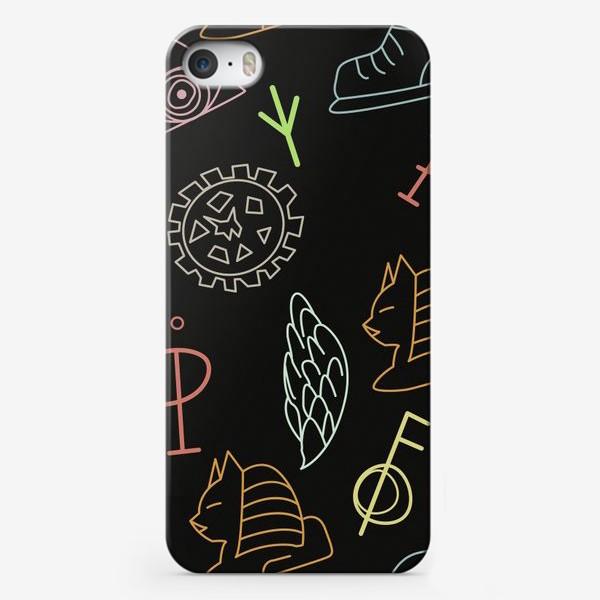 Чехол iPhone «Паттерн с колесом, крылом, скрипичным ключом, сфинксом, кроссовком, глазом.»