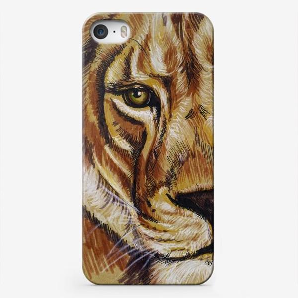 Чехол iPhone «львица »