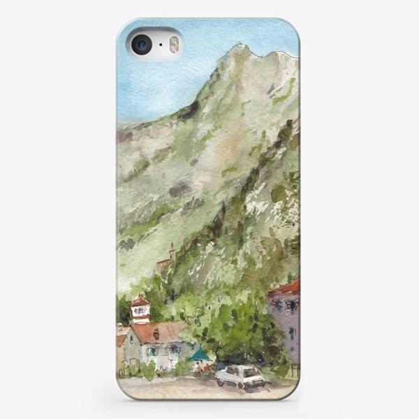 Чехол iPhone «Город под горой. Котор. Черногорская серия. »