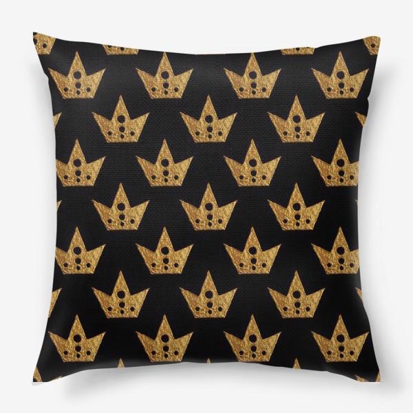 Подушка «Золотые короны»
