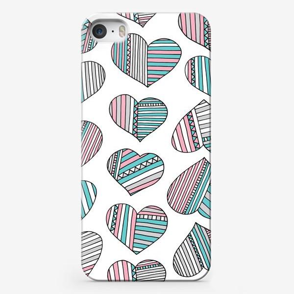 Чехол iPhone «Сердечки в полоску»