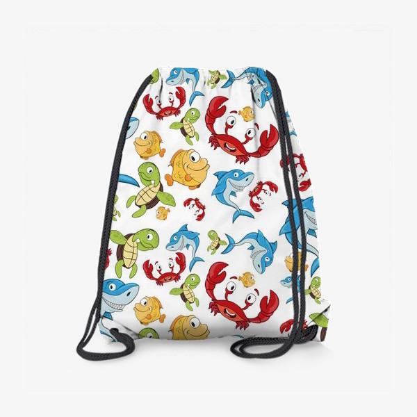 Рюкзак «узор с мультяшными морскими животными  на белом фоне»