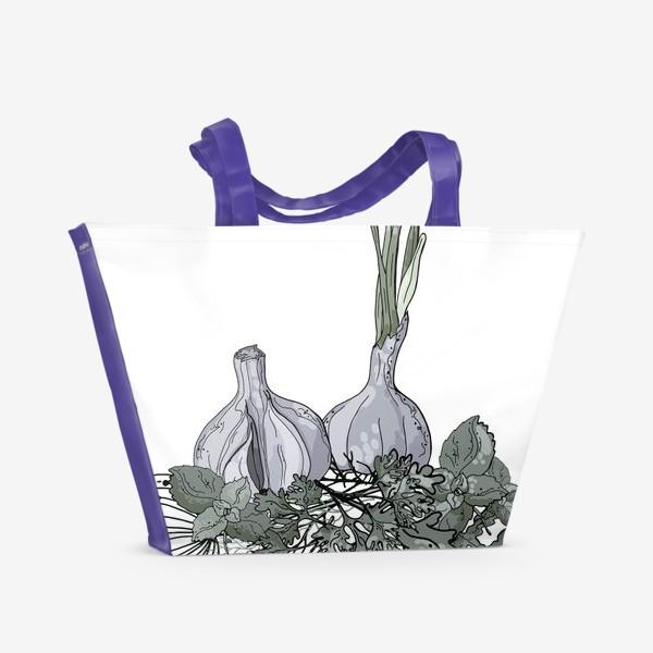 Пляжная сумка «Комопзиция из головок чеснока и пряных трав в стилистике фуд-иллюстраций»