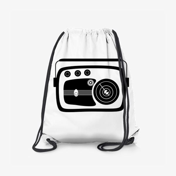Рюкзак «Ретро радио (черно-белая иллюстрация)»