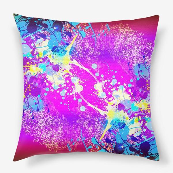 Подушка «Пятна краски на розовом фоне»