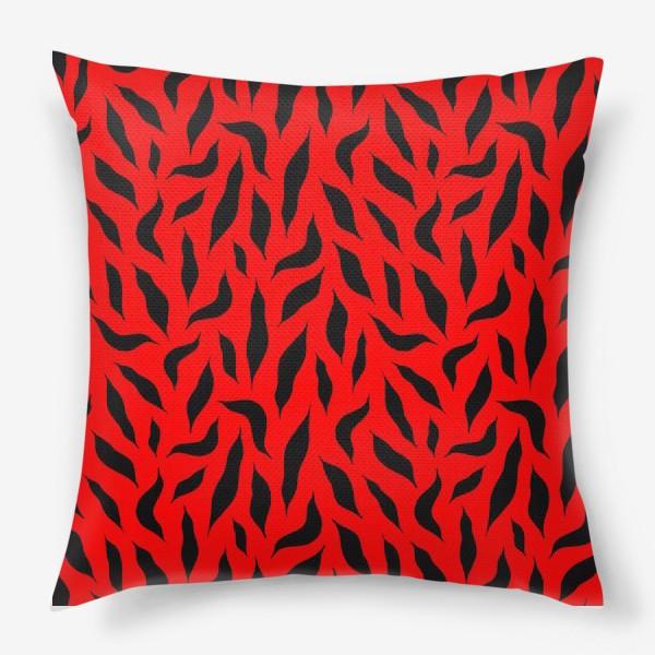 Подушка «Черные перья на красном фоне. Красно-черный абстрактный узор. »