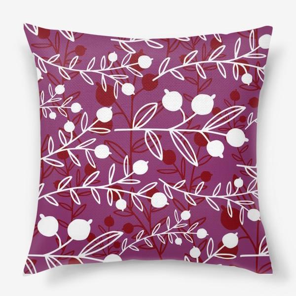 Подушка «Растительный узор с ягодами»