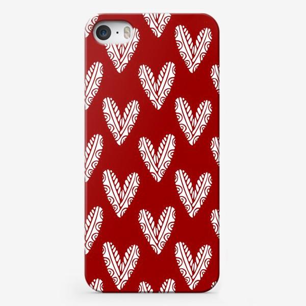 Чехол iPhone «Сердечки. Сердца на красном фоне»