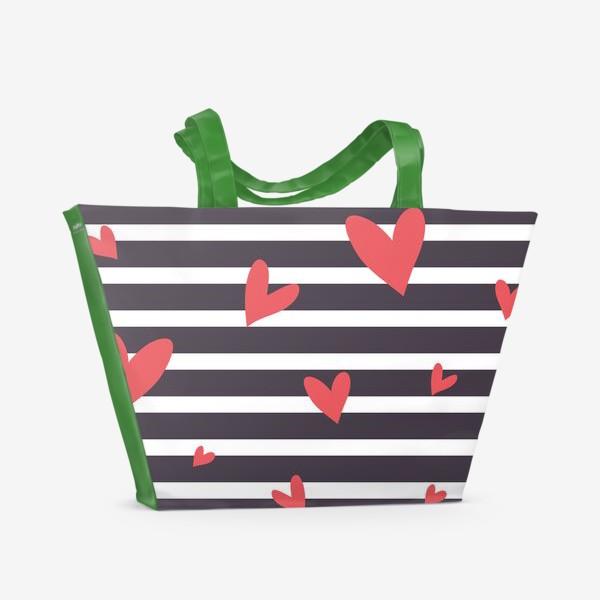Пляжная сумка «Полосатый фон с сердечками»