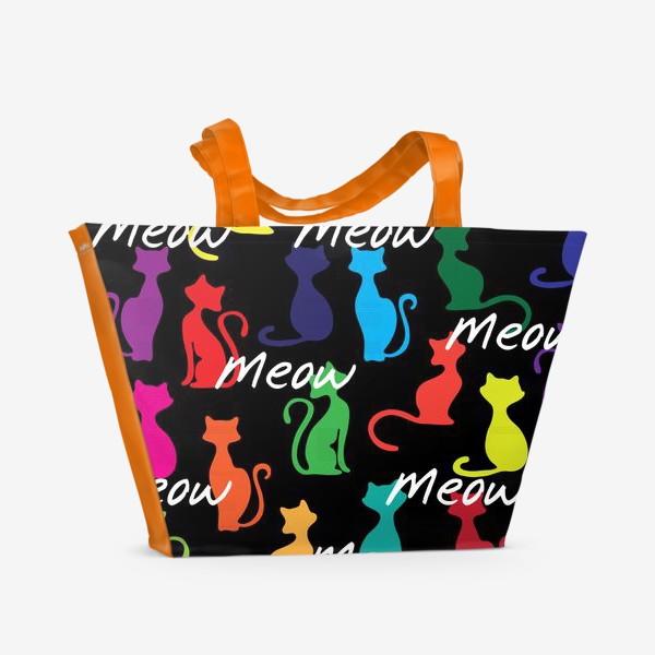 Пляжная сумка «Разноцветный фон с силуэтами кошек»