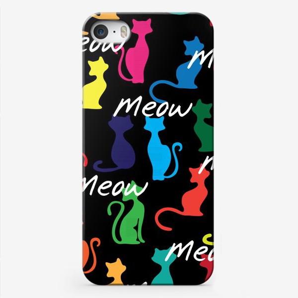 Чехол iPhone «Разноцветный фон с силуэтами кошек»