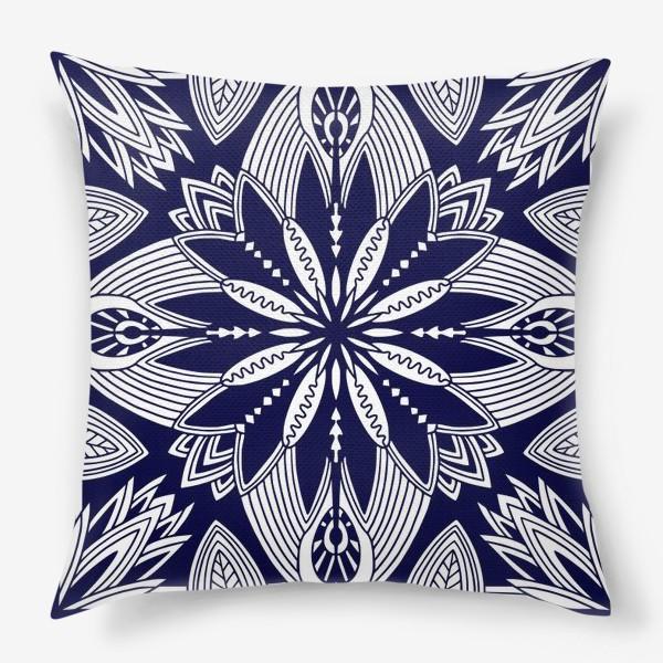 Подушка «Орнамент с абстрактными листьями. Квадратный узор. Мандала»