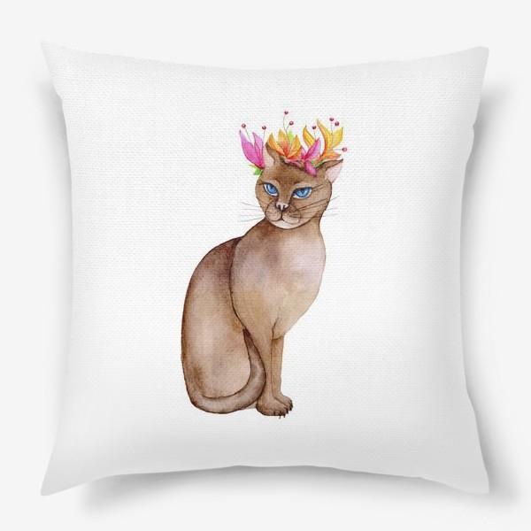 Подушка «Кот с короной цветов»