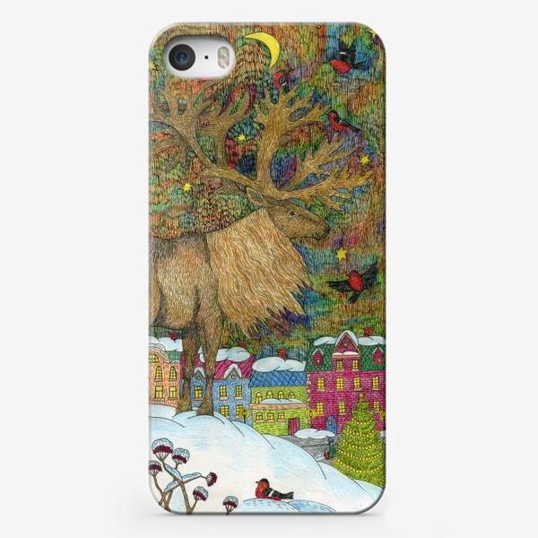 Чехол iPhone «Сказочный олень в старом городе»