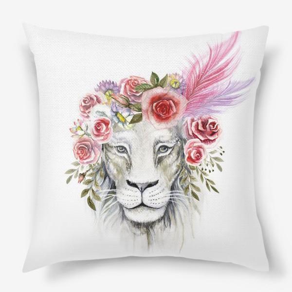 Подушка «Белая львица»