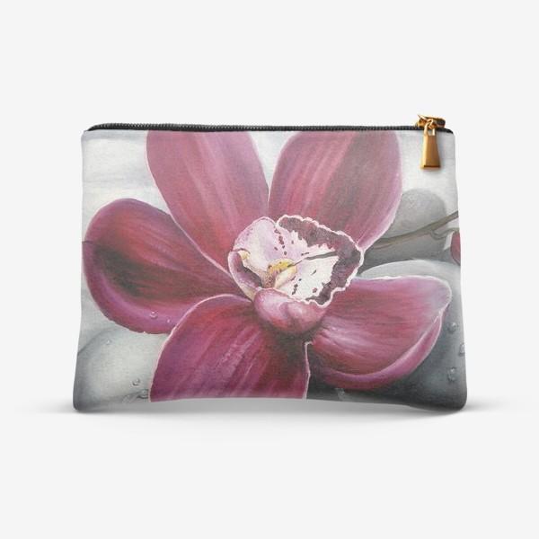 Косметичка «Цветок красной орхидеи. Живопись. Цветок с капельками росы»