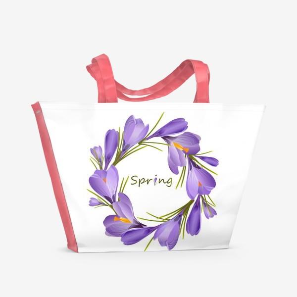 Пляжная сумка «Spring, a wreath of crocuses primroses.»