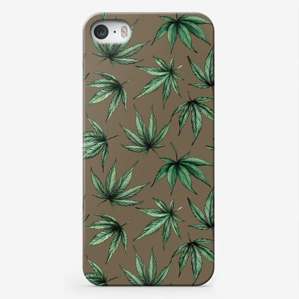 Чехол iPhone «Каннабис в стиле милитари. Осенний узор из листьев каннабиса  »