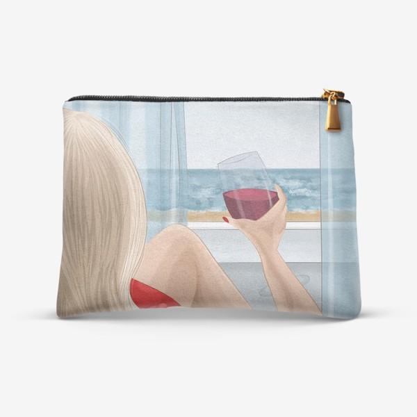 Косметичка «Девушка с бокалом смотрит на море»