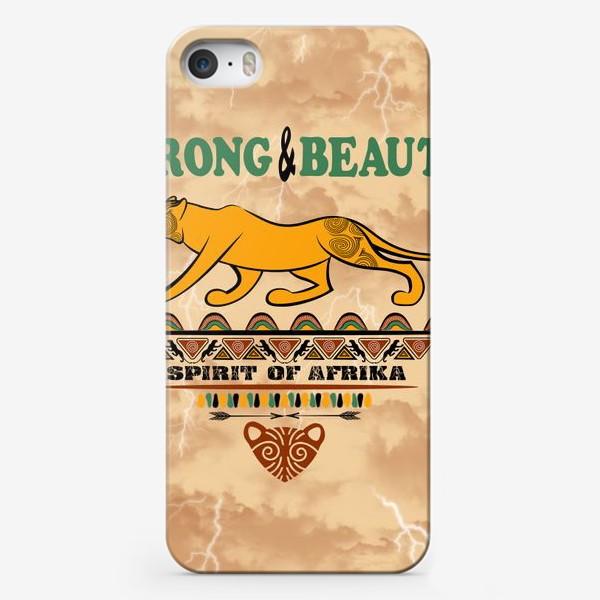 Чехол iPhone «STRONG & BEAUTY. Львица на гранжевом фоне»